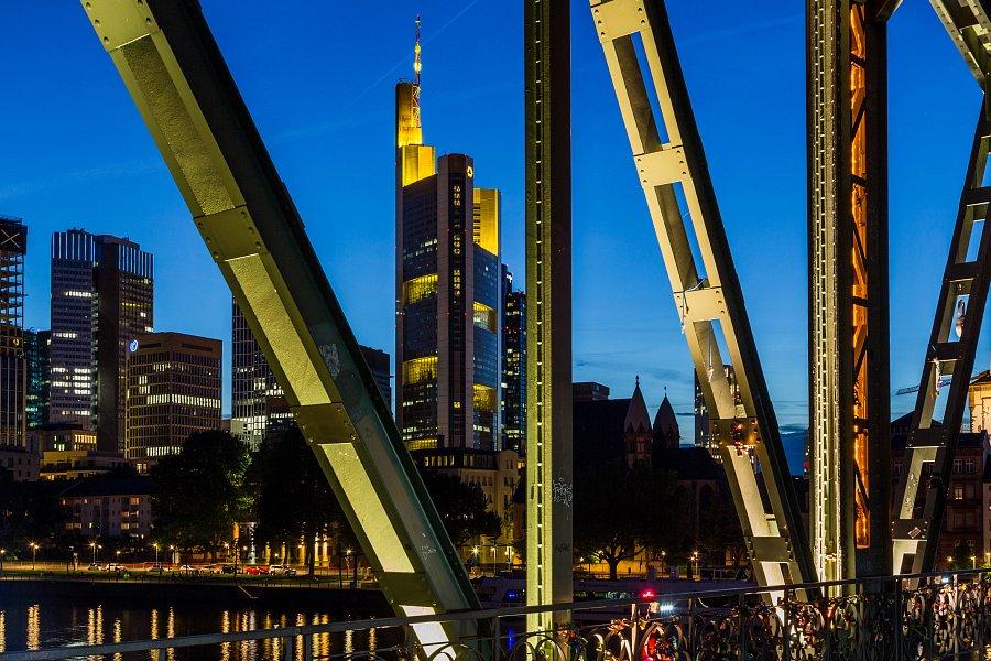 Fotokurs 12.12.18, 15:00-18:00: Blaue Stunde und Nachtfotografie
